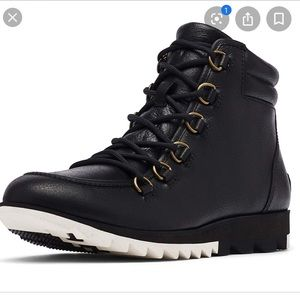 Black leather Sorel Harlow boots